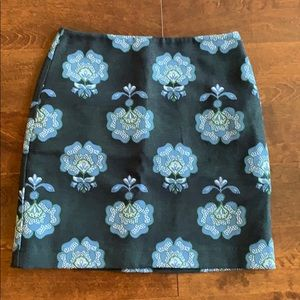 Loft size 4 floral print skirt. It was worn once.